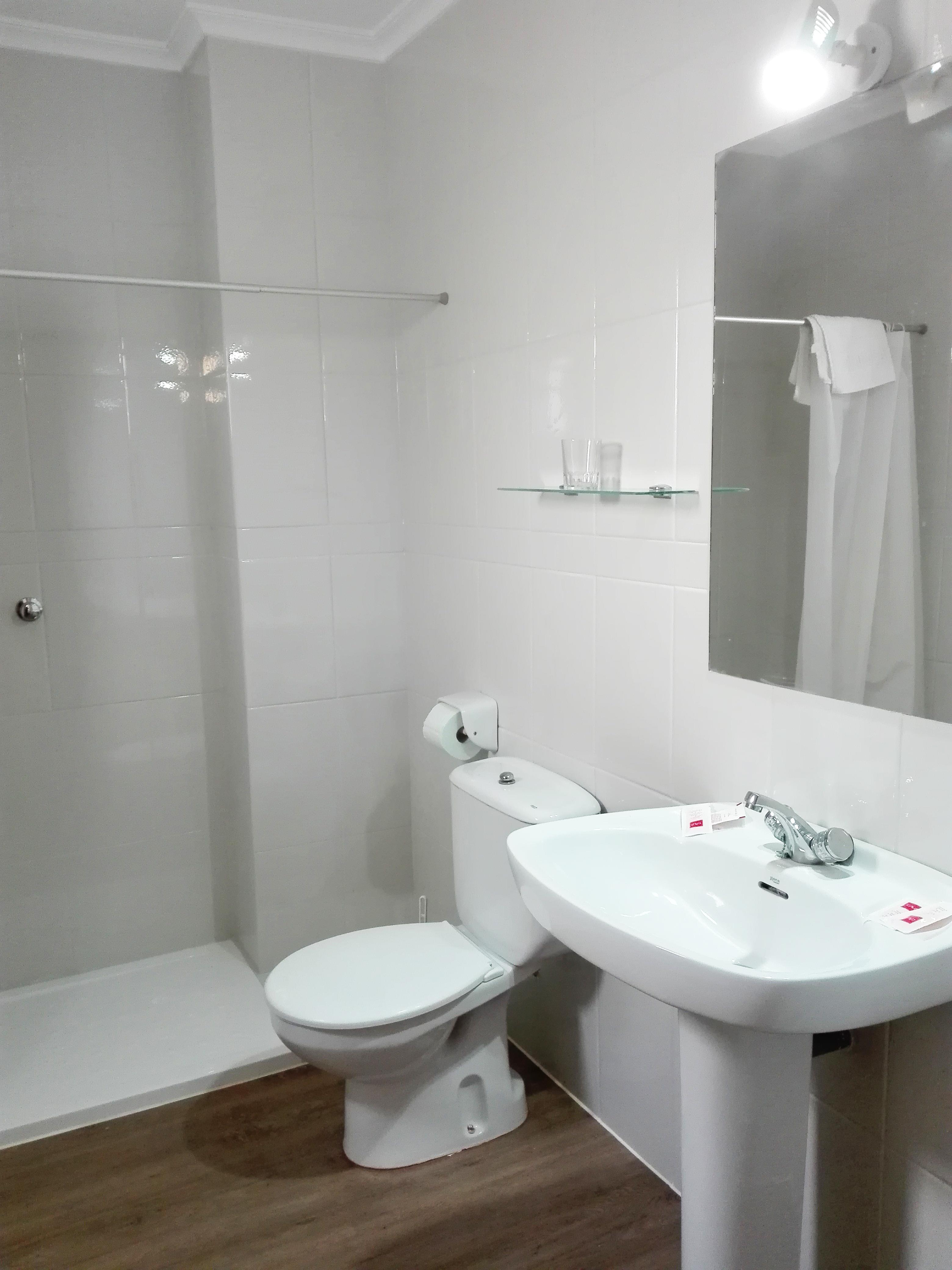 Baño habitación 1980 Rooms